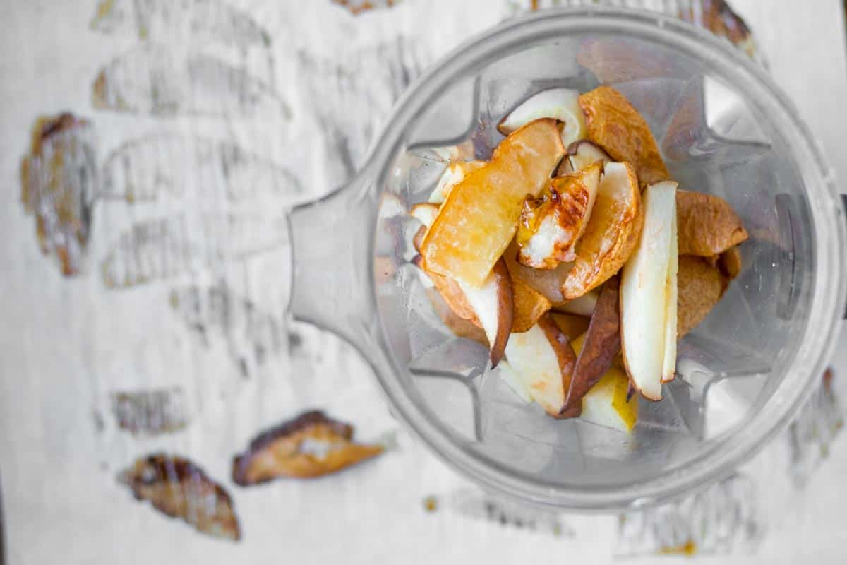 roasted pears in a vitamix blender